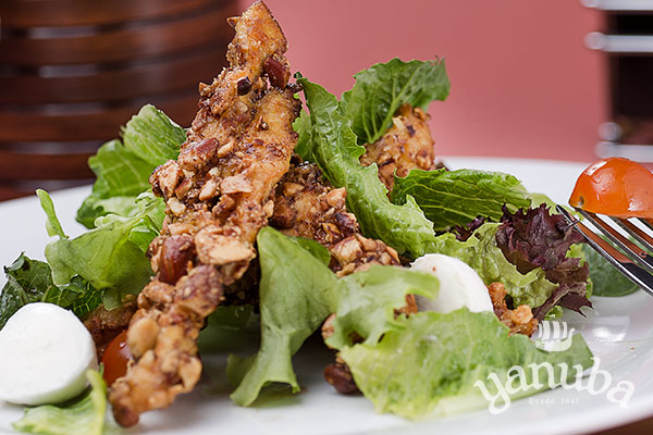 Ensalada chicken fingers
