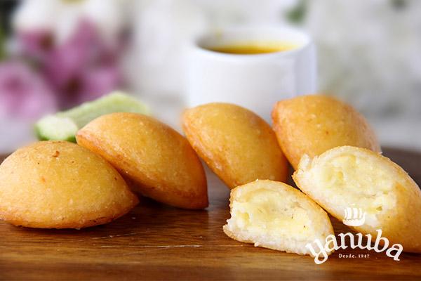 Mini empanadas de queso